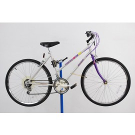 1980s Magna Fugitive Mountain Bike 18""