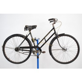 "Pre-War Schwinn Black Hawk Bicycle 19"""