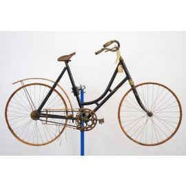 1890s Ladies Wooden Rim Antique Bicycle 22""